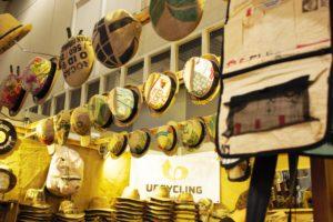 Hüte aus Kaffeesäcken